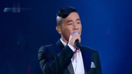 黎明陈小春合唱《友情岁月》,天王的声音太赞,太有磁性了