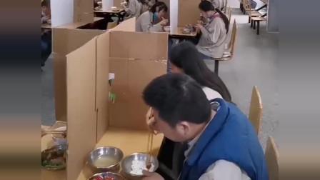 工厂提前开工,广东老板这样隔离员工食堂,真的能杜绝病毒的传播?