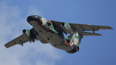 日本川崎EC-1电子训练机,长相奇特,战斗力仅能覆盖日本本土