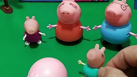 猪爸爸爱吃碎冰冰,猪妈妈喜欢草莓味的,佩奇乔治喜欢什么味的你们知道吗?