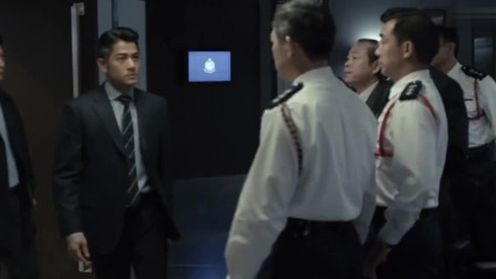 寒战:警队冲锋车消失,香港警处高层连夜开会,定义进入一级戒备