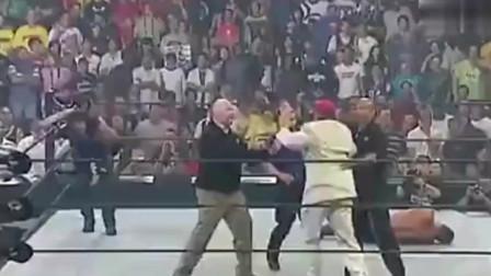 WWE兰迪奥顿全场被动,最后时刻一个RKO绝杀送葬者