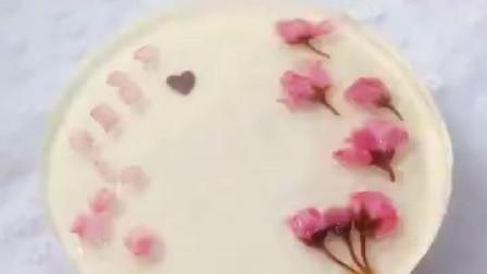 武汉的樱花开了,教你做一个樱花慕斯蛋糕,简单易学,不用烤箱