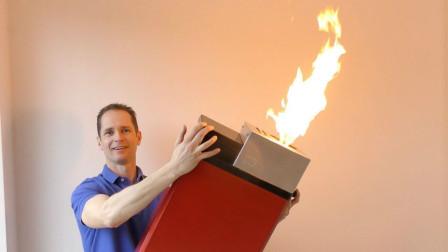 牛人制作超大号打火机,火苗大到这种程度,一堆柴火瞬间点燃