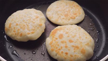 家常糖饼,不用发面,做法简单快速,香甜柔软超好吃,凉了也不硬