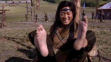胖子想驯服黑水仙,怎料黑水仙被绑住了双腿,都能撞昏他