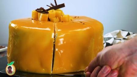 法式可丽饼和芒果组合的奶油乳酪蛋糕