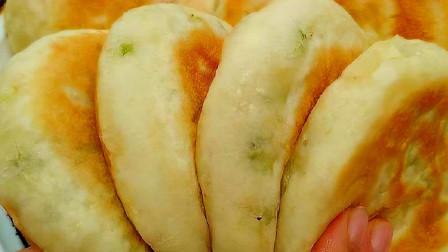想吃发面饼自己在家做,不揉面不擀面,筷子搅一搅,5分钟出一锅