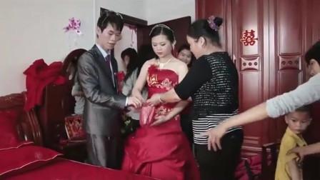广西一漂亮新娘,正在结婚,才出生8个月的宝宝哭过不停