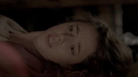 凶徒受伤严重进了房间,女孩聪明躲过一劫,强忍眼泪不敢出声