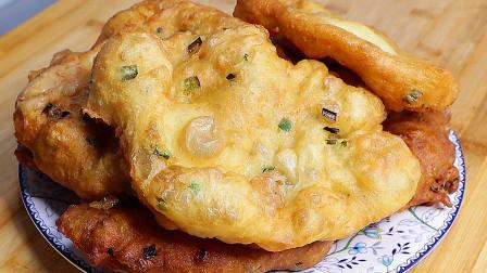 想吃葱花油饼,教你新做法,不揉面不擀面,外酥里软真过瘾