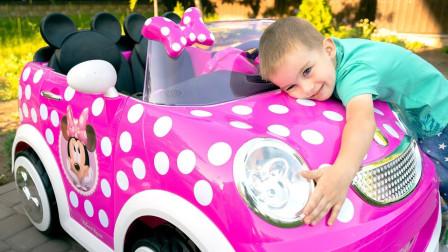 萌宝玩具:实在糟糕!小正太的车车为何都坏掉了呢?