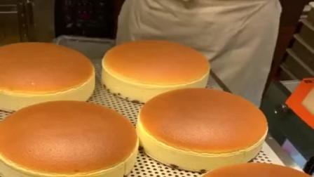 日本的面包,都是这样做出来的,涨姿势了!