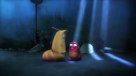 爆笑虫子:下水道里出现两个小黄,这可把小红吓坏了