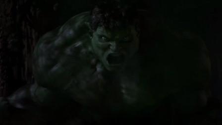 绿巨人力战群狗,却发现怎么也打不死,看来是遇到对手了