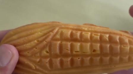 韩国街头爆款小吃:玉米蛋糕,颗粒分明的玉米粒裹着炼乳,超好吃
