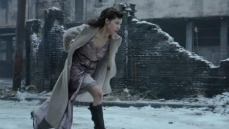 周一围一枪打响战争,钟楚曦顶着炮火救小女孩,不料炸弹被掉包了!