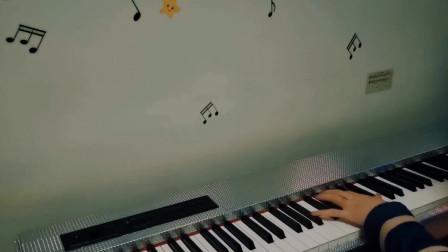 钢琴弹奏《星河不可及》这个世界欠你的温柔,我来给你