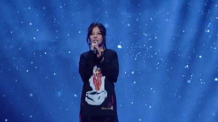 王牌对王牌 第五季 华晨宇赵薇合作歌曲《爱情大魔咒》,合音细腻声线完美结合