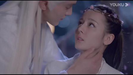 枕上书:帝君终于主动向媳妇拥吻,凤九感觉一切都好不真实