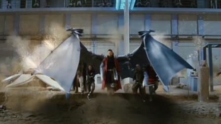 男子伸开翅膀挡下所有子弹,刘德华都看蒙了,这是什么怪物