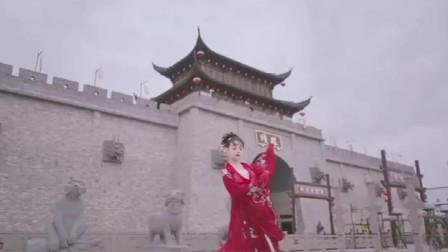 可以为你红衣作嫁也可以仗剑天涯,喜欢汉服也喜欢江湖