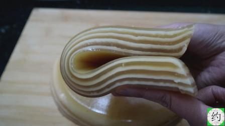 千层糕这样蒸更有弹性,3分钟一层,出锅紧凑一点也不松散