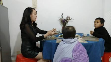 姐弟恋:老公比我小3岁,年轻又帅气,30多岁的我无业时常感到焦虑!