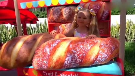 可爱萝莉:小可爱假装卖超大面包却被哥哥全弄到了地上萌娃:我太生气了