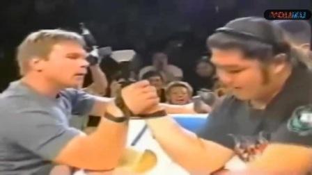 掰手腕:曾经的亚洲腕力一哥金井义信巅峰时刻,秒杀高中生哥哥,战胜托德两度挑落老约翰