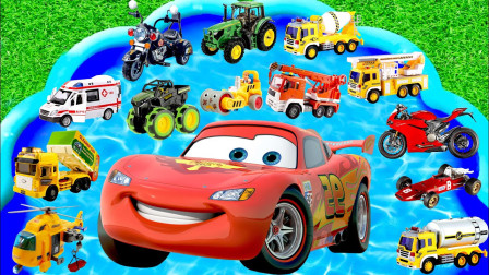 玩具汽车总动员,警车、消防车、闪电麦昆,一起来学习英语单词
