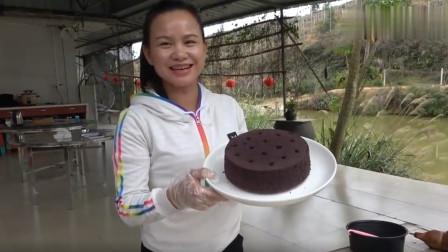 """农村姑娘""""煤球蛋糕""""做法,边做边教,附上详细配料表!"""