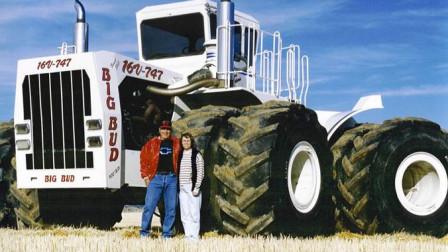 美国农民耗资450万,改造1100匹马力的拖拉机,1小时能耕32亩地