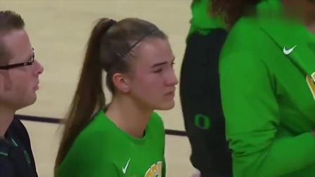 NCAA俄勒冈大学女篮赛前致敬科比,莎布里娜身穿科比战靴,泪流满面啊