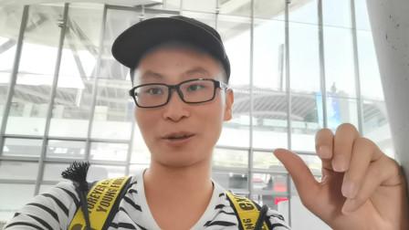 厦门小伙独自坐飞机,前往湖南永州寻找母亲,为年迈的外婆过生日