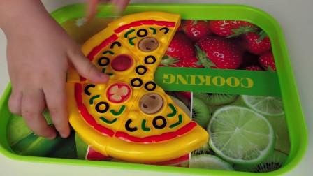 萌宝玩具:好美味!小萝莉跟小正太会喜欢这家店里的披萨吗?