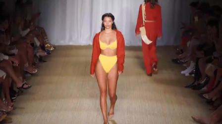 时装秀:欧美泳衣秀,几块小布料作用真大,大小刚刚好