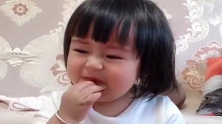 宝宝吃不到零食开始假哭,当吃到薯片的一瞬间,网友:演技精湛啊