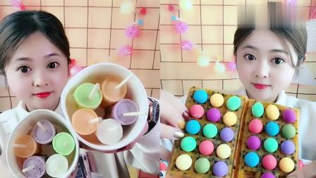 美女直播吃百香果、彩色冰激凌,看着就过瘾,是我向往的生活