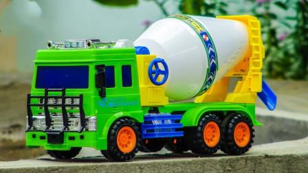 汽车玩具:好神奇!水泥搅拌车掉落的不是水泥而是水宝宝?