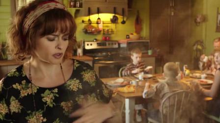 母亲每次烤面包都能弄坏烤面包机,墙上挂了一墙壁的坏烤面包机