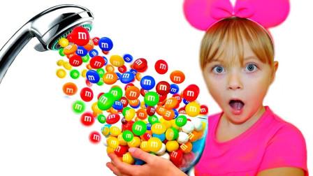 萌宝玩具:好奇怪!小萝莉打开的水龙头出现的为何是糖果?
