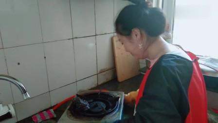 姐弟恋:我的媳妇美丽大方,上得厅堂下得厨房,又开始收拾了