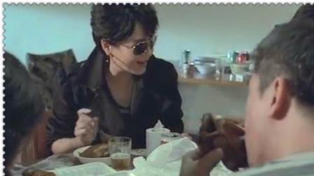 夺帅里毒枭就是狠,刚刚还在一起吃乳鸽,下一秒就请你吃枪子!!精彩片段欣赏