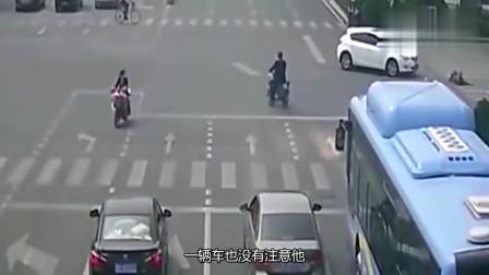 非得停在路中间打电话,女司机可不惯你,一脚油门教你做人