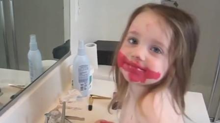 宝宝背着妈妈偷偷化妆,转头的一瞬间,网友直言:手法太专业了