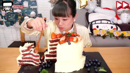 大胃王挑战:打造12000卡路里双层红丝绒蛋糕,含1千克黄油,美味