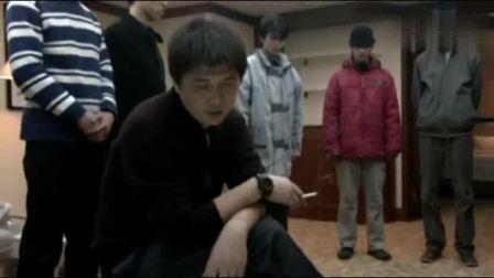 软弱:人贩子手段真狠毒,被拐小孩不听话,直接废掉他一只手臂