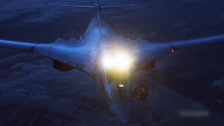 俄军大飞机夜间空中加油,图160开启特殊设备,远光灯亮瞎眼