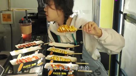 热狗就要大胃王mini这样吃,普通人吃完后估计看到热狗都想吐了